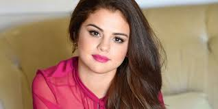 2016 makeup artist 12 makeup artist shares selena gomez pic with and without editing for an