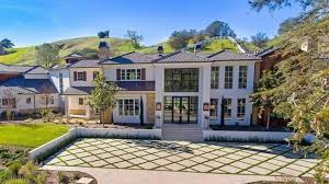 The <b>Weeknd</b> Reportedly Bought a Hidden Hills Home for Nearly $20 ...