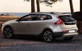 Volvo V40 Cross Country (2016) pictures & photos, information of ...