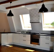stand kitchen dsc: you surely notice the built in vent finished with a matching porcelain tiles of the backslash which creates a interesting visual effect of the place