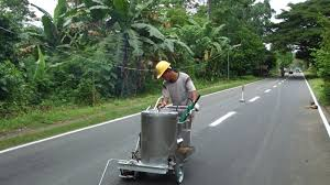 thermoplastic road marking machine is used to mark road traffic lines this type of road marking machine consist of an applicator a glass bead dispenser