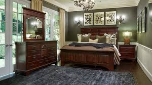 Kalispell 3Piece Queen Bedroom Set Room Scene