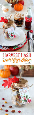 Thanksgiving table ideas, Free Printable Tags for Fall party favors. by  (Coke Bottle Garden)