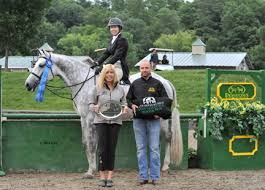 WEG Central: Hunters: Sauguerties: Patricia Griffith dominates the $5,000  Devoucoux Hunter Prix to highlight the hunters at HITS-on-the-Hudson III in  Saugerties, New York