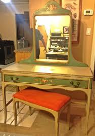 Painted Bedroom Painted Bedroom Set Includes Dresser Bed Vanity Bench Mirror