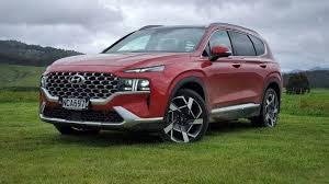View hyundai santa fe 2021 interior, exterior & road test images. Biggest Discount Hyundai Nishat Reduces Santa Fe S Price By Rs 5 Million Whenwherehow Pakistan