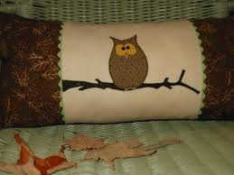 Owl Pillow Pattern Hooty Owl Pillow Free Pdf Pattern By Crabby Maudie Sew Whats