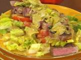 beef  leek and tomato salad with bacon dressing