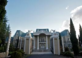 couple refurbish hillside mansion as a venue for weddings other special events