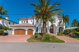 Venetian Isles - Lighthouse Point, FL Homes for Sale & Real Estate |  neighborhoods.com