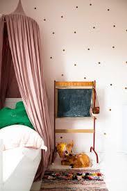 Oud Roze Kinderslaapkamer Gestippeld Oud Roze Behang Met Roze