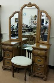 lexington 6 drawer vanity w trifold mirror bench for in burlington nj offerup