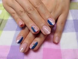 青色がセンス良くネイル 奥州市のネイルサロンrara 大人上品ネイルと