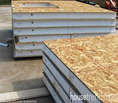 House plans go green   Structural Insulated PanelsConstruction process keeps insulation in check