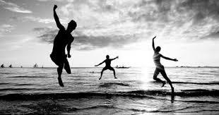 Znalezione obrazy dla zapytania happiness black and white