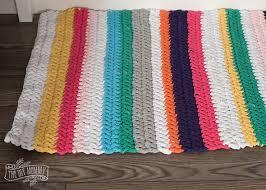 diy crochet t shirt yarn rug tutorial