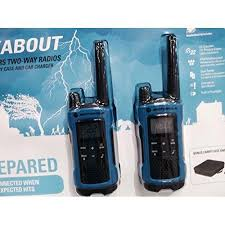 motorola walkie talkie blue. motorola talkabout t461 frs/gmrs two-way radio pair with bonus carry case and walkie talkie blue