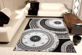 • jemand aus dem bekanntenkreis hat laminat auf teppich gelegt und es ist nichts passiert. Cpzae1y3lbidkm