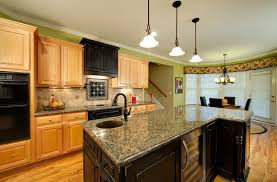 Perfect Kitchen Color Ideas With Oak Cabinets And Black Appliances Find This Pin More On Dining Rooms In Design