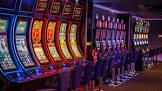Красочный слот Гаражи в казино Grand
