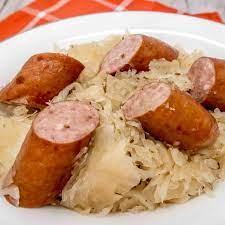 slow cooker kielbasa with sauer