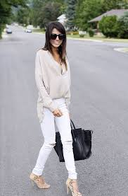 Stylish white pants ideas for ladies White Outfits How To Style Ladies White Pants In 2017 6 Fashion Gum How To Style Ladies White Pants 2019 Fashiongumcom