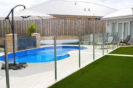semi frameless glass fencing