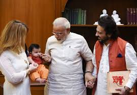gallery citizen office. PM Modi With Adnan Sami And His Daughter Medina At PMO Office Gallery Citizen