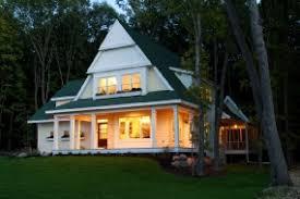 Modern cottage home plan  unique  distinctive roof design and wrap    Click for pdf