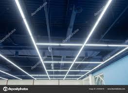 Industriële Plafond Geschilderd Neutraal Blauw Lampen Worden