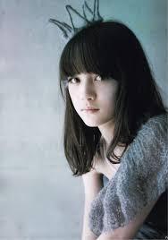Pin By Shiro Shiro On Girls Talk 中学生 髪型 黒髪 ロブ 前髪 ロング