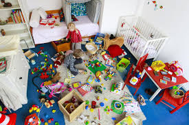advice for quick dorm room cleanup clean your kid s messy room in 15 minutes or less
