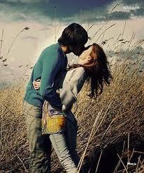 couple kiss natural wallpaper