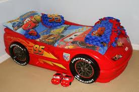 Bedroom:Elegant Race Car Themed Feature Wall Boys Room Design Idea Simple  Car Theme Bedroom