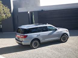 2018 lincoln navigator spied. contemporary spied photo gallery of the 2018 lincoln navigator review inside lincoln navigator spied