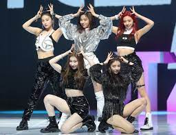 """Here Are Each Member Of ITZY's Best And """"Not-so Best"""" Stage Outfits - Bias  Wrecker - KPOP News"""