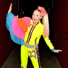 JoJo Siwa on Her Signature Bow and ...