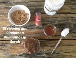diy honey and cinnamon plumping lip scrub 1024x786 jpg