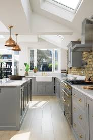 Imagine spending sunny summer days chilling out and cooking and pottering  about in this lovely Shaker kitchen. The skylights flood this room with the  ...
