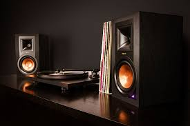 vintage klipsch bookshelf speakers. reference r-15pm phono pre-amp vintage klipsch bookshelf speakers