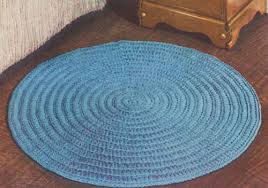 featuring only two repeating rounds this circular rug