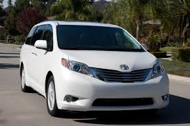 2014 Toyota Sienna Reviews and Rating | Motor Trend