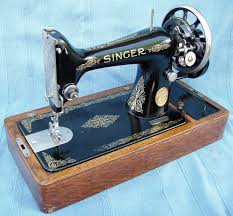 Vintage Singer Sewing Machine Model 99k