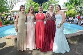 photo essay yarmouth consolidated memorial high school prom 2017 yarmouth consolidated memorial high school prom day