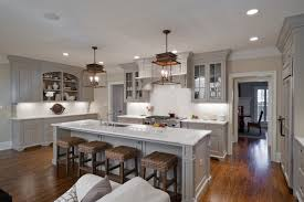 Traditional open concept kitchen photos - Inspiration for a timeless  u-shaped open concept kitchen