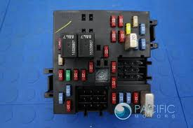 fuse box block turn signal hazards flasher lights 10383321 oem fuse box block turn signal hazards flasher lights 10383321 oem hummer h2 2003 07