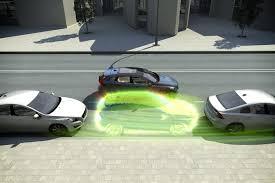 Отделаться испугом Как работает электроника спасающая от ДТП  Начиная с 2014 года euro ncap присуждает автомобилям дополнительные баллы за работу системы удержания машины на полосе движения За прошедшие три года было