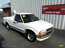 2001 Summit White Chevrolet S10 LS Regular Cab #85269971 ...