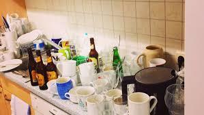 Die Schlimmen Fotos Aus Büro Küchen Sind Echt Leider Karriere