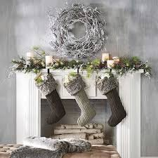If you're like me and haven't yet started on your Christmas decorations  (whoops), there's still hope. Here are ten decorating ideas that are  beautiful, ...